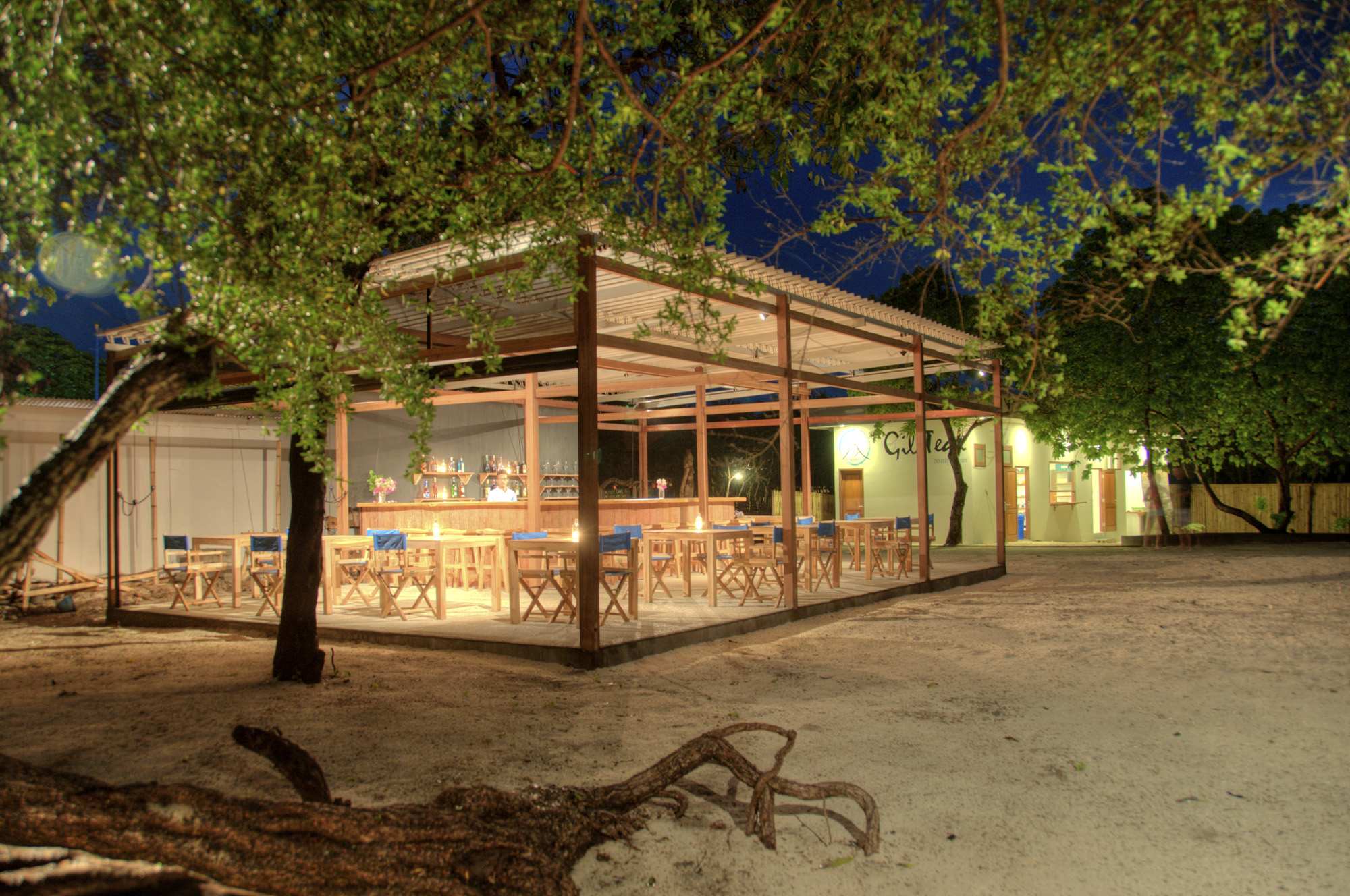 Gili Teak beach bar night